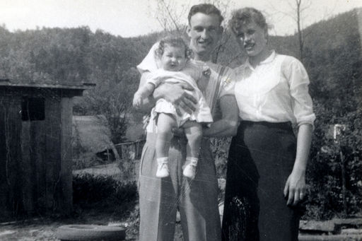 11-Baby is Gaile Dean Austin, with Kenneth and Mary (DUNCAN) Austin.