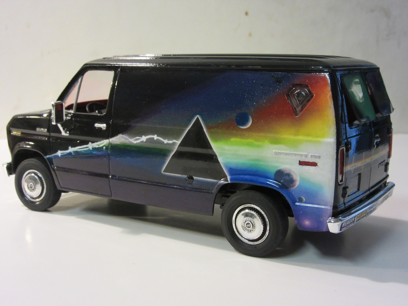 Ford Pink Floyd Van Under Glass Pickups Vans Suvs