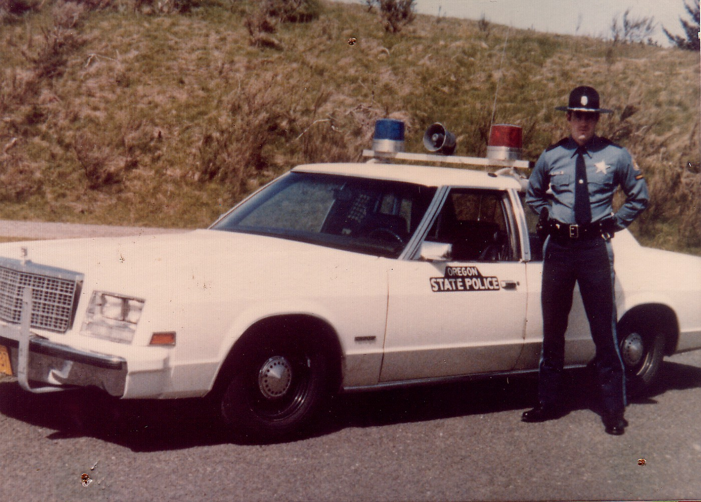 bel air police car with Oregon on Nicknames For White Cars additionally Surete Du Quebec Les Vieilles Voitures De Police additionally Chevrolet Diecast Cars also T1485p75 Vielles Photos De Voitures De Police Et Ambulance Au Quebec together with Car Wallpapers Need For Speed.