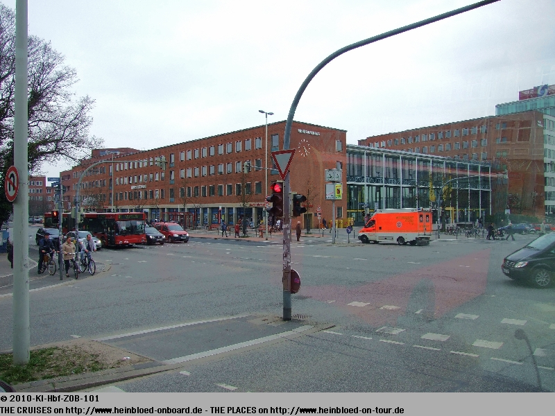 heinbloed 39 s cruise guides kiel germany around central station to find the bus to hamburg. Black Bedroom Furniture Sets. Home Design Ideas