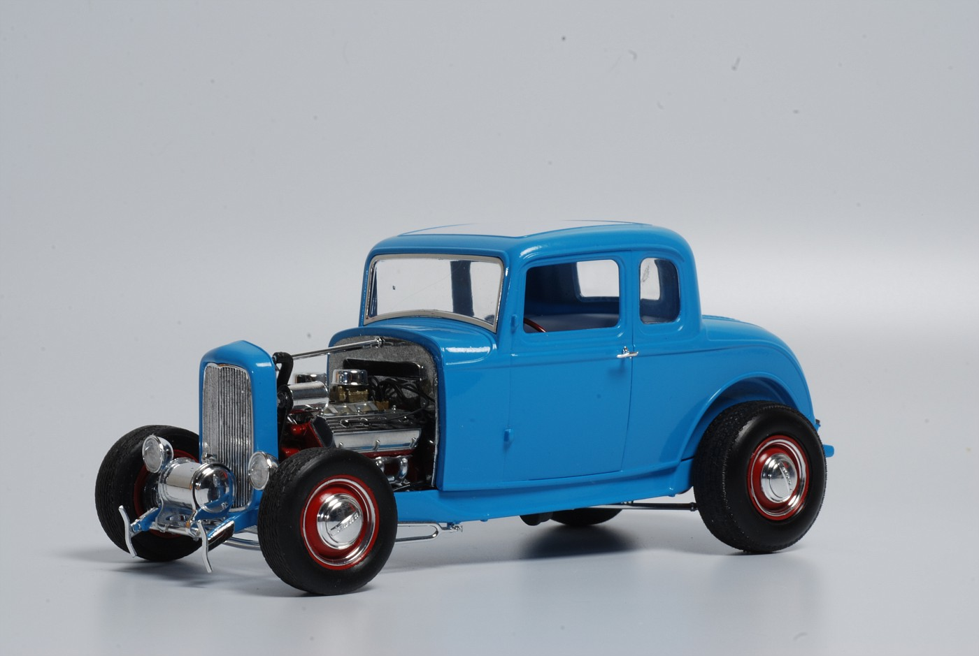 Finally finished the preview build of the revell monogram 32 ford five window coupe kit during the final ssembly added a few personal touches