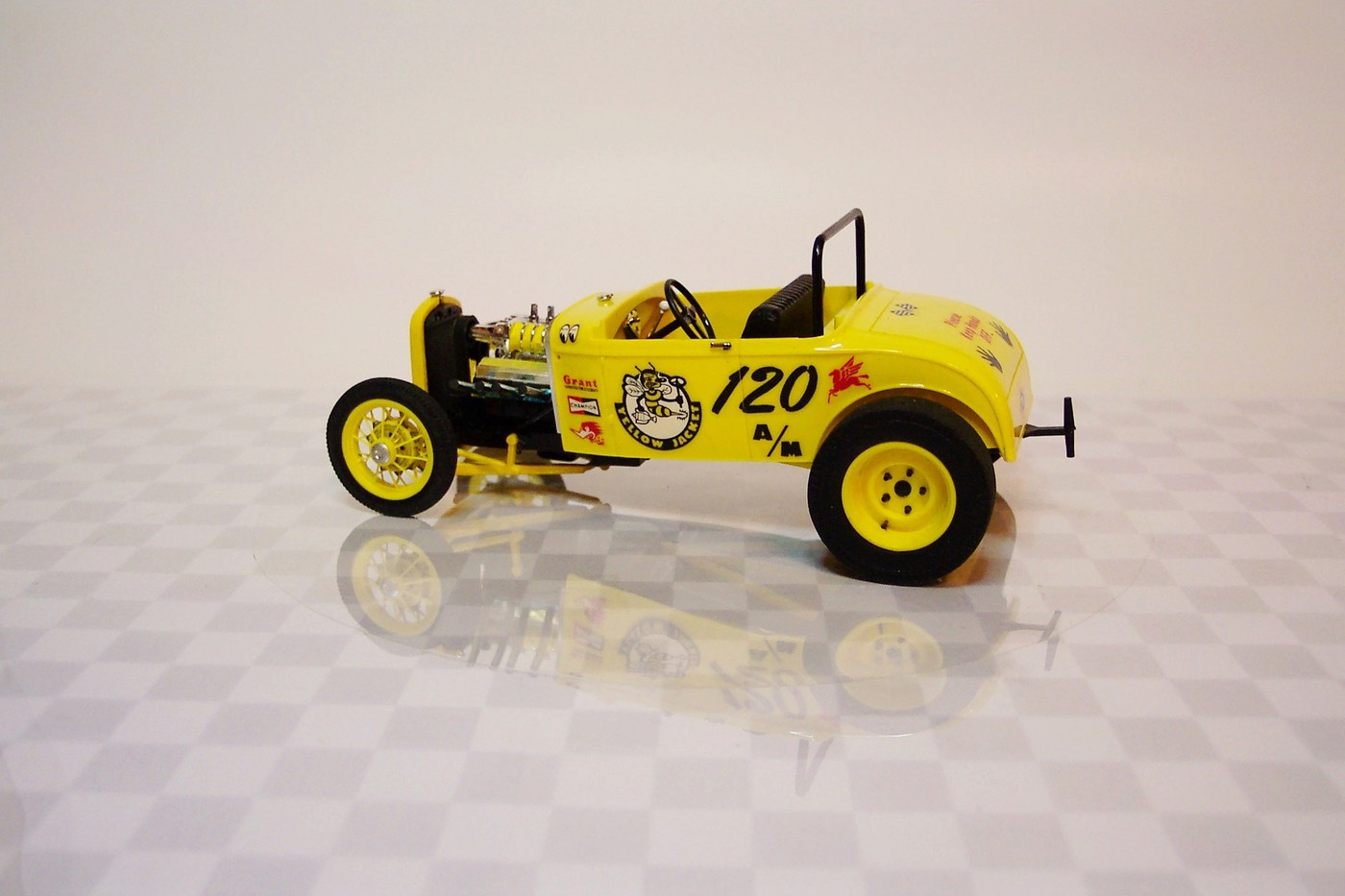 "Painting Lug Nuts >> ""Yellow Jacket"" Ford Competition Roadster - Under Glass - Model Cars Magazine Forum"