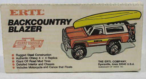 Ertl-Chevy Blazer-Boat-Cycle_3645-R.JPG