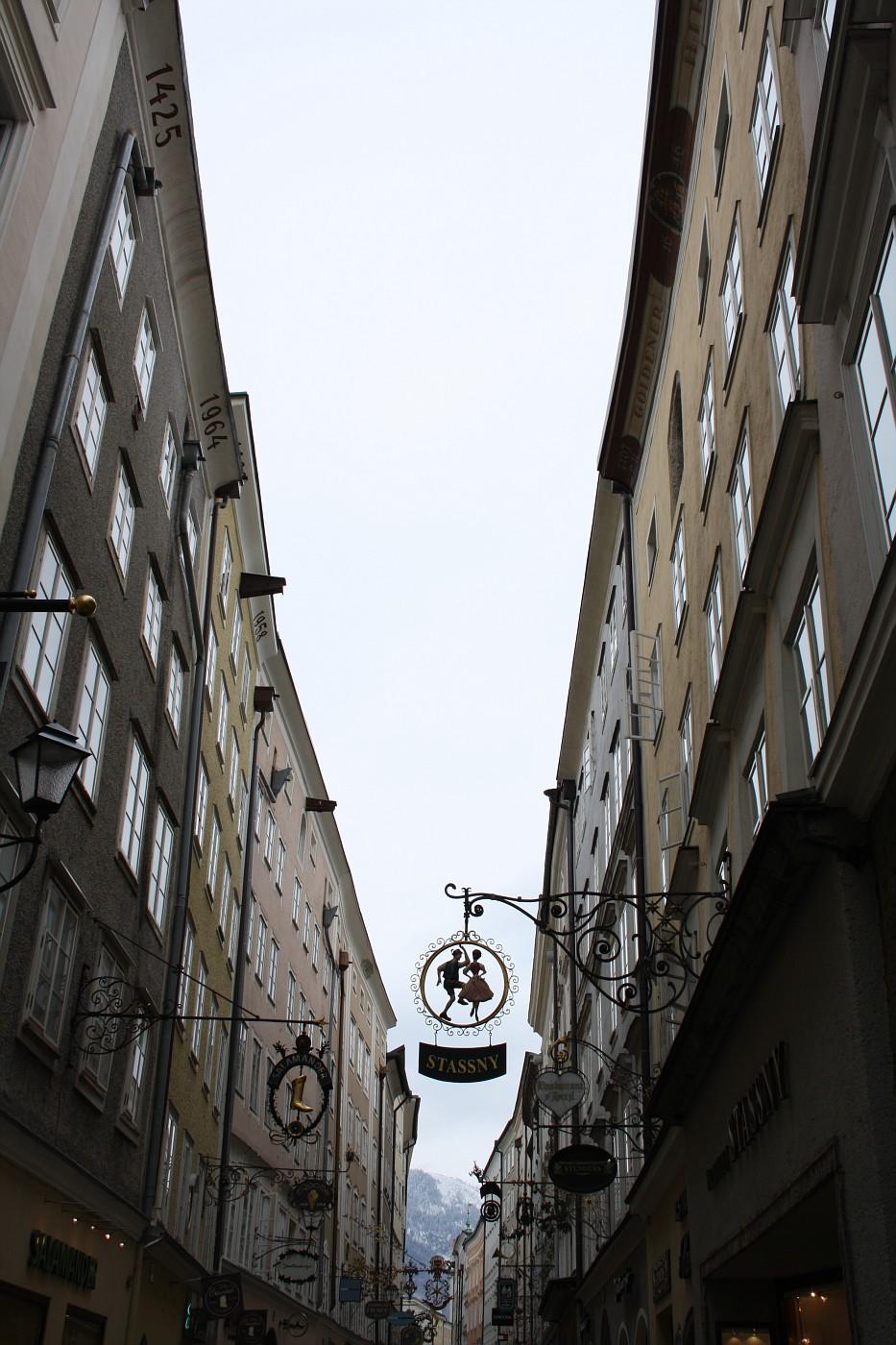 http://images21.fotki.com/v208/photos/2/243162/8488810/Salzburg11-vi.jpg
