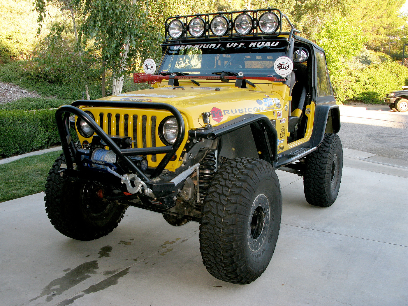 Yellow Jeep With Black Accents - JeepForum.com