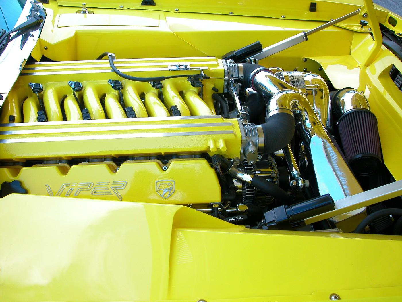 17 Engine passenger side