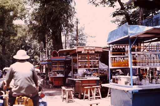 39-Saigon Food Stands