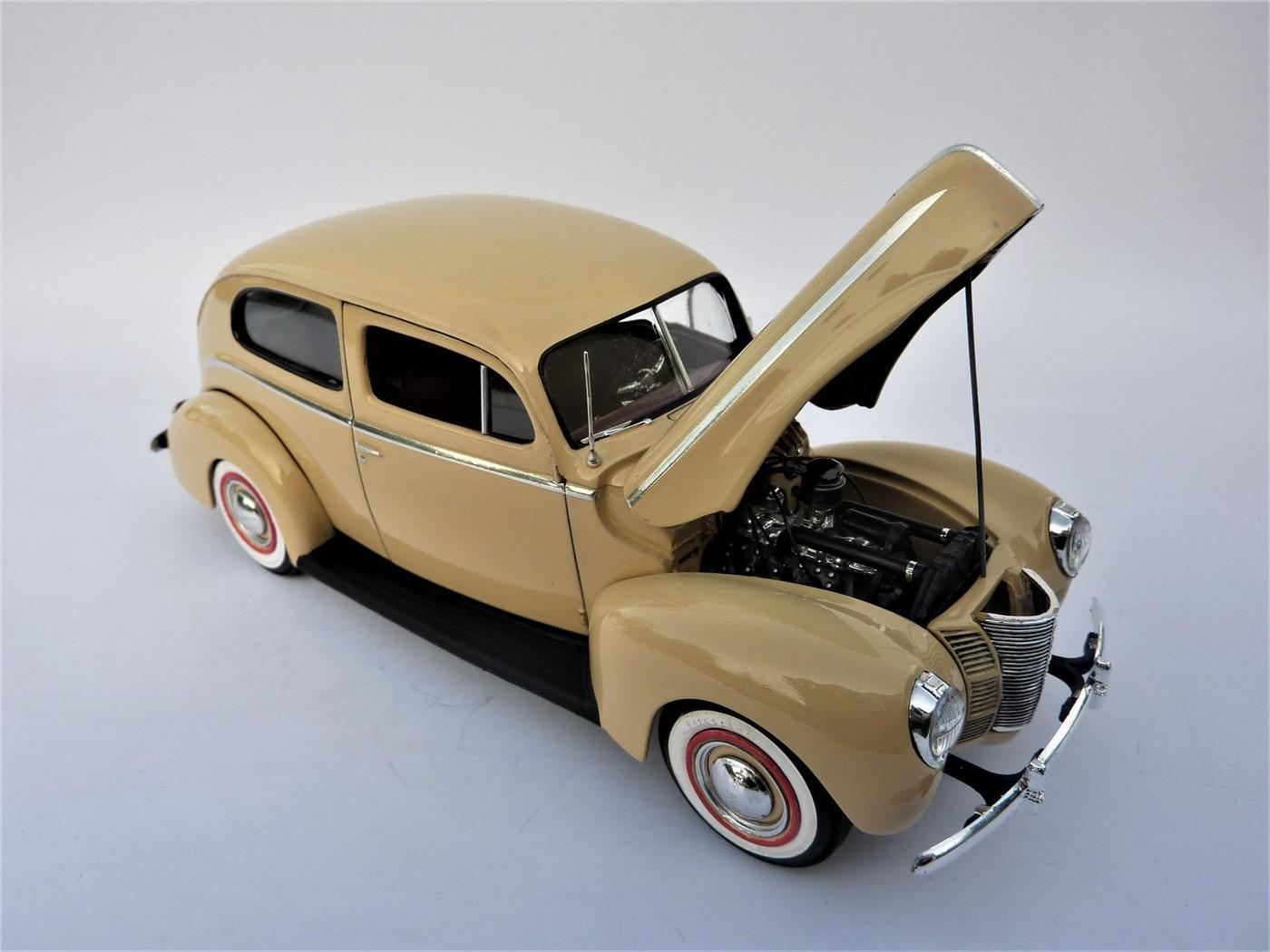 Ford Tudor Sedan 1940 restaurée  Photo85-vi