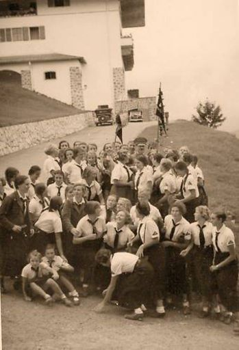 "BDM girls with Adolf Hitler at ""The Eagles Nest"""