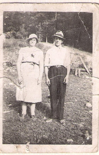 209-Great-Grandparents Shelby and Della YANCEY Laxton