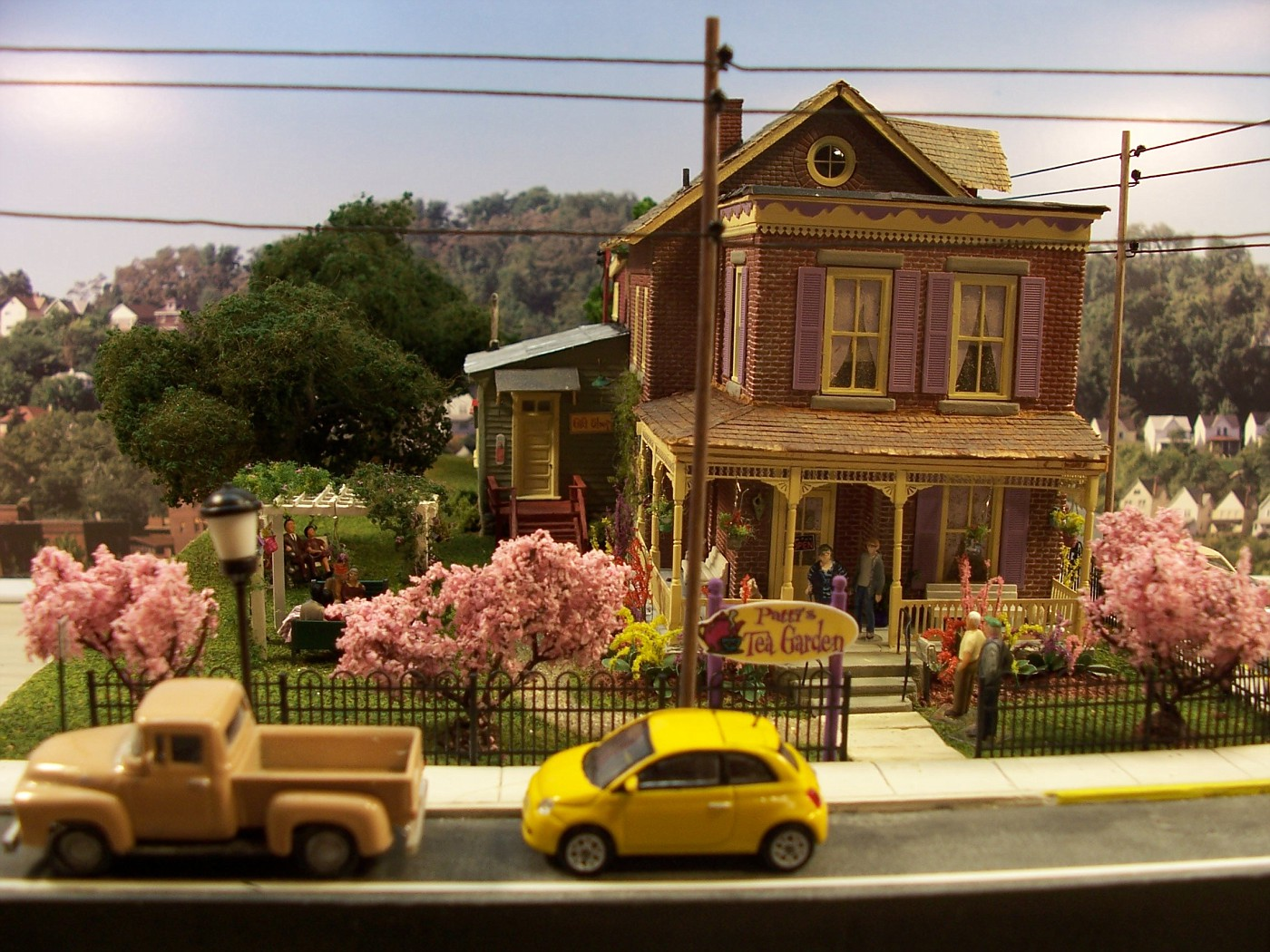 Patti\'s Tea Garden. Another Davetown diorama. | Model Railroad ...